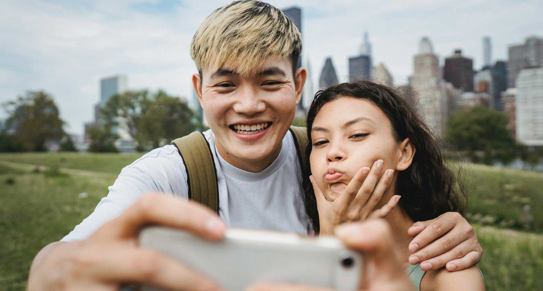 Teen boy and girl taking a selfie 7 reasons to be just friends TheHopeLine