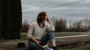 Christian-woman-overwhelmed-suicidal-thoughts-talk-to-a-HopeCoach-at-TheHopeLine