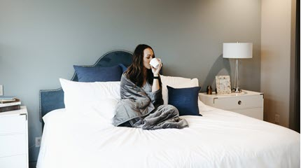 4 Ways to Feel Less Lonely When You're Sick