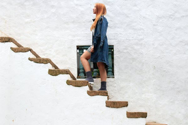 girl climbing stairs looking up 12 Reasons to Live That You Haven't Thought About Yet to Help Your Hopelessness TheHopeLine